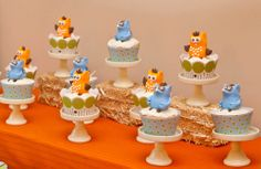 Owls & racoons cupcakes