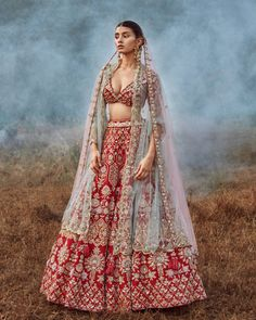 Wedding Lehenga Designs, Designer Bridal Lehenga, Indian Bridal Lehenga, Indian Bridal Outfits, Indian Bridal Fashion, Indian Dresses, Pink Lehenga, Lehenga Choli Online, Indian Designer Wear