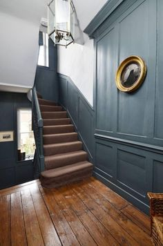 Modern staircase ideas - design and layout ideas to inspire your own staircase r. Modern staircase ideas – design and layout ideas to inspire your own staircase remodel, painted d Modern Georgian, Georgian Homes, Modern Staircase, Staircase Design, Staircase Ideas, White Staircase, Victorian Hallway, Victorian Terrace, Victorian Houses
