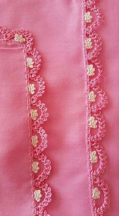 Top New Pink Color Printing Edge Pinning Models Crochet Pattern Pink - Diy Crafts Crochet Edging Patterns, Crochet Lace Edging, Unique Crochet, Crochet Stitches, Diy Embroidery, Embroidery Patterns, Crochet For Beginners, Tricks, Couture