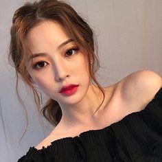 Bora Lim - Makeup Looks Korean Korean Makeup Look, Korean Beauty, Asian Beauty, Korean Makeup Ulzzang, Asian Makeup Natural, Korean Wedding Makeup, Asian Makeup Looks, Asian Eye Makeup, Natural Beauty