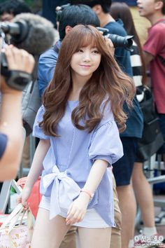 Kim Ji-yeon (김지연) also known mononymously as Kei (케이) of Lovelyz (러블리즈).