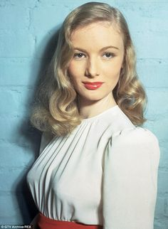 The Clothes Horse: Style Icon: Veronica Lake The Veronicas, Golden Age Of Hollywood, Hollywood Glamour, Old Hollywood, Veronica Lake Hair, Divas, Pelo Vintage, Estilo Pin Up, Actrices Hollywood