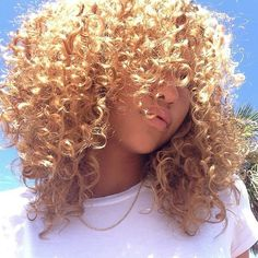 curly hair of girls : Foto