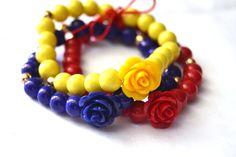 #pulseras #tricolor #venezuela #vzla #caracas #moda #fashion #estilo #accesorios #bisuteria #bandera #nacional #rosas #flores Jewlery, Jewelry Bracelets, Necklace Designs, Handmade Necklaces, Beads, Earrings, Necklaces, Braided Bracelets, Crystal Bracelets