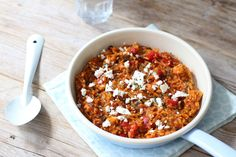 Greek tomato rice with feta - # Feta # Greek # with # tomato rice - Jeanine Madden - Vegetarian Recipes, Cooking Recipes, Healthy Recipes, Boat Food, Tomato Rice, College Meals, Feta, Evening Meals, Rice Dishes