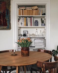 The principle: to divert the Swedish furniture that we all have at home from their primary function. Home Design, Home Interior Design, Interior Architecture, Interior Decorating, Interior Colors, Design Design, My New Room, Interiores Design, Home Decor Inspiration