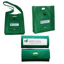 We can offer premium quality fold away non woven bags.Fold away Non Woven bags are available in different unique colours, dimensions and designs.