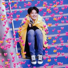 Junkyu surrounded by our love Meme Pictures, Reaction Pictures, Meme Faces, Funny Faces, You Are My Treasure, Simpson Wallpaper Iphone, Yg Entertaiment, Heart Meme, Baby Koala