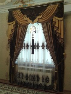 Одноклассники Swag Curtains, Cool Curtains, Window Curtains, Drapery Styles, Drapery Designs, Window Coverings, Window Treatments, Maximalist Interior, Classic Curtains