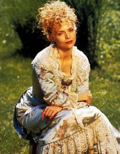 Michelle Pfeiffer as Countess Ellen Olenska in The Age of Innocense (1993).