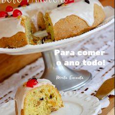Anota ai os INGREDIENTES do BOLO PANETONE deliiicia, do vídeo anterior : BOLO: 1 de xícara de chá de uva passa preta ½ xícara de chá de uva passa branca 1 colher de sopa uísque ou conhaque ou licor de laranja ou ainda vinho do porto 1 colher de sopa de essência de baunilha 4 ovos inteiros 1 e ½ xícara de chá de açúcar 60g de manteiga em ponto de pomada 1 pitada de sal noz moscada ralada a gosto, ½ colher de café rasa raspas de 1 limão tahiti raspas de 1 laranja 1 caixinha de creme de…