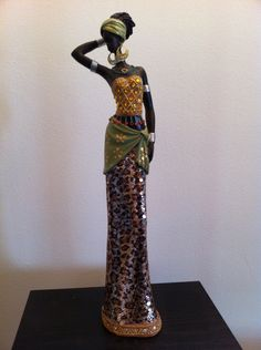 African woman Statue Figure tribal Art Exotic Africa Decorative Sculpture Masai Maasai Colorful by phantomas African Figurines, African American Figurines, African American Art, African Women, African Fashion, Ankara Fashion, African Style, Des Accents D'or, Afrique Art