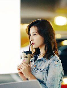 Kim Ji Won my love Korean Star, Korean Girl, Korean Actresses, Korean Actors, Korean Beauty, Asian Beauty, Kim Na Hee, Asian Woman, Asian Girl