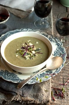 broccoli and blue cheese soup