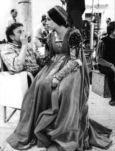 Film Romeo And Juliet, Romeo And Juliet Costumes, William Shakespeare, Zeffirelli Romeo And Juliet, Leonard Whiting, Lucrezia Borgia, Olivia Hussey, Best Cinematography, London Theatre