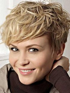 We've gathered our favorite ideas for 25 Short Wavy Hair Pictures Short Hairstyles 2018 Explore our list of popular images of 25 Short Wavy Hair Pictures Short Hairstyles 2018 2019 in short hairstyles for thick wavy hair. Thick Curly Hair, Short Wavy Hair, Curly Hair Cuts, Short Hair Cuts For Women, Curly Hair Styles, Short Pixie, Messy Pixie, Short Cuts, Shaggy Pixie
