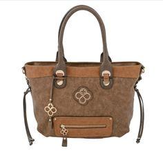 Bolso Jaime Ibiza de la colección 33 GDL. Sencillo, elegante, atrevido y siempre vanguardista. #cafe #bolso #tendencia #primavera #NuevaColeccion #brown #purse #fashion #fashiondesign