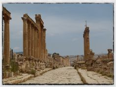 Jerash – the greatest Roman ruins you've never heard of. | The Amateur Adventurer The colonnades of the Cardo