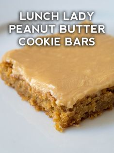 Lady Peanut Butter Cookie Bars Chewy, perfectly sweet, and completely addictive!Chewy, perfectly sweet, and completely addictive! Mini Desserts, Just Desserts, Delicious Desserts, Yummy Food, Potluck Desserts, Desserts For A Crowd, Homemade Desserts, Peanut Butter Cookie Bars, Peanut Butter Recipes