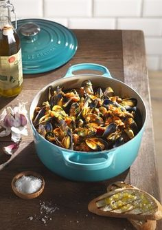 Roasting mussels in Le Creuset Cast Iron