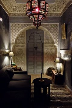 Gorgeous Moroccan decor in a beautiful Riad. Gebss sculpting, colored glass lighting and the famous tadelakt wall coating.