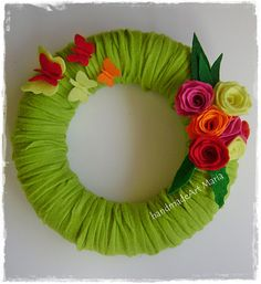 Spring wreaths with many materials :)