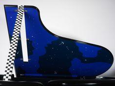 Vue du couvercle ouvert du piano Pleyel Voie Lactée série limitée design Andrée Putman