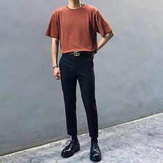 Discover recipes, home ideas, style inspiration and other ideas to try. Korean Outfits Street Styles, Korean Fashion Summer Street Styles, Korean Fashion Men, Ulzzang Fashion, Men's Fashion, Swag Style, Grunge Style, Style Casual, Soft Grunge