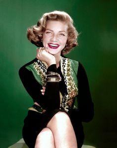 Personalităţi importante ale lumii: Bacall, Lauren (16 septembrie 1924 – 12 august 201... Lauren Bacall, actriţa cu origini româneşti şi verişoara lui Shimon Peres, preşedinte al Israelului