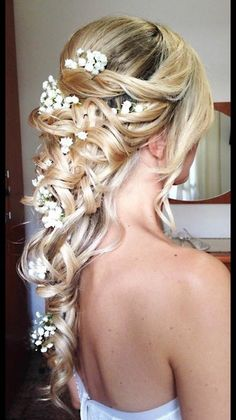 Matrimonio.it | #Acconciatura #sposa dal vero della nostra Annalisa #bionda #fiori #updo #flowers #blonde #bride #girl #hair