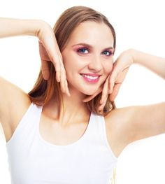 Are you afraid of wearing sleeveless? Does your dark underarms make you embarrassed? Know the common causes and methods to get rid of dark armpits and give a boost to your self confidence. Hair Removal Diy, Laser Hair Removal, How To Whiten Underarms, Underarm Whitening Cream, Dark Armpits, Best Teeth Whitening, Whitening Soap, Beauty Makeup Tips, Beauty Secrets