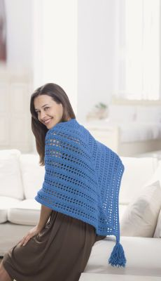 fast and easy crochet shawl! - free crochet pattern - I love the tassel touch!