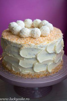 Tort de morcovi , un blat fin, cu o crema de branza si cocos delicioasa . E desertul ideal pentru copii. Lucky Cake, Tea Cakes, Sweet Desserts, Vanilla Cake, Tiramisu, Caramel, Food And Drink, Pudding, Cooking Recipes