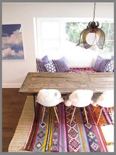 Creating a room that captures the feeling of the real Mexico can be difficult. Mexican inspired homes can quickly become over the top and out of control. So here are some ideas of how to incorporate the flavour of Mexican design and living without feeling like you are living in a taco commercial.