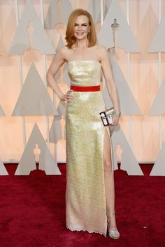 The Oscars are the last of the award shows which means that everyone can take off their Spanx and eat a cheeseburger now. The red carpet started off slow but built up steam when Lupita Nyong'o, Naomi Watts, and Sienna Miller showed up. But it was Julianne Moore above in custom Chanel (Karl made it for […] http://www.noellesnakedtruth.com/