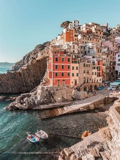 Cinque Terre - A Guide to The Italian Riviera's Famous Five Villages - Hedonisitit - Italy | Europe | Travel Destinations | | Vacation | Bucket List | Wanderlust | Things to Do and See | Culture | Food | Tourism | Like a Local | #travel #vacation #bucketlist #wanderlust #Italy #Europe #exploreItaly #visitItaly #seeItaly #discoverItaly #TravelItaly