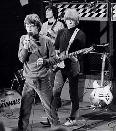 Rolling Stones Bill Wyman, Brian Jones, and Mick Jagger on the set of English telly show Ready Steady Go! The Rolling Stones, Brian Jones Rolling Stones, Rock N Roll, Music Jam, 60s Music, Keith Richards Guitars, Gibson Firebird, Bill Wyman, Rollin Stones