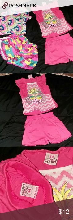 🎁4T bundle 🎁 Includes :  1 4T outfit  2 pairs of swim shorts Size 4/5 Matching Sets