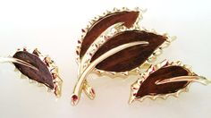 Vintage SARAH COVENTRY Leaf Brooch & by RuthiesThisandThat on Etsy, $15.00