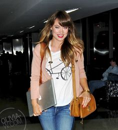 Olivia Wilde -    Cute tee, jacket, with jeans....