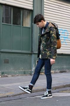 Men's street style is a crucial supply of inspiration and it's almost always a good way to modernise your wardrobe. Vans Sk8 Hi Outfit, Vans Outfit Men, Vans Old Skool Outfit, Vans Men, Look Fashion, Mens Fashion, Fashion Outfits, Street Fashion, Trendy Fashion