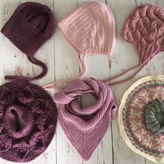 """67 likerklikk, 4 kommentarer – Barnehagestrikk (@barnehagestrikk) på Instagram: """"~Lue og skjerf sett~ #lettlitenlue og #bellahals som er strikket i #sandnesmerinoull lua er Julie…"""" Knitting Ideas, Diy Clothes, Winter Hats, Fashion, Diy Clothing, Moda, Fasion, Clothes Crafts, Trendy Fashion"""