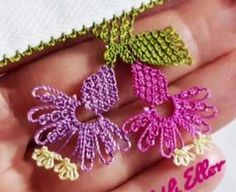 Needle Lace Two Flower Prayer Cloth Model Making - My Recommendations Knitted Poncho, Knitted Shawls, Honeysuckle Flower, Needle Lace, Flower Bracelet, Knitting Socks, Flower Making, Hand Embroidery, Needlework