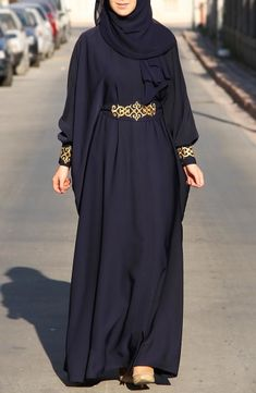 Abaya chic: Top 50 trendy models for summer 2017 hijab tips Islamic Fashion, Muslim Fashion, Modest Fashion, Fashion Dresses, Abaya Chic, Hijab Chic, Hijab Style Dress, Hijab Outfit, Abaya Style