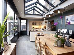 Trend Modern Style Kitchen Remodel Idea in 2019 - Home Decor Interior Küchen Design, Home Design, House Extension Design, House Extensions, Open Plan Kitchen, Conservatory Kitchen, Glass House, Interior Design Kitchen, Home Kitchens