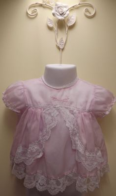 I love this pick up bodice! Baby Girl Pink Dress, Pink Girl, Baby Girls, Flower Girl Dresses, Vintage Baby Dresses, Vintage Baby Clothes, Vintage Outfits, Vintage Clothing, Crochet Bebe