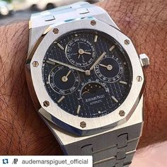 #Repost @audemarspiguet_official with @repostapp.  ___________________________________ #audemarspiguet_official ___________________________________  Photo  via @goldentimeco  All credits goes to the photographer | owner ----------------------------------------------- Visit us : http://ift.tt/JcB3cH ----------------------------------------------- Tag your photos with:  #audemarspiguet #ap #audemars #piguet #experience #watch #ap_gallery #luxury  #platinum #chronograph #tourbillon #exceptional…