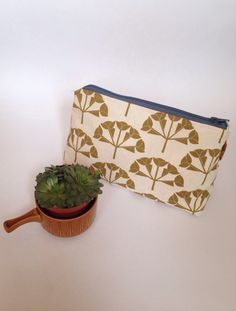 Screen printed 'Hydrangea' wash bag in sage green 🌿