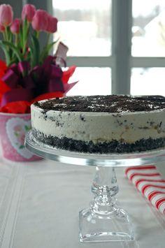 Vanilla-Caramel Ice Cream Cake with Oreo Crust